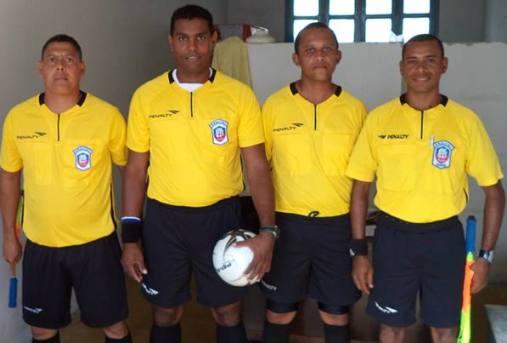 Valdeciro José dos Santos Filho (1º da esquerda) Foto: Reprodução (facebook)