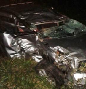 Carro de Cacau, ficou totalmente destruído. (Foto: Reprodução Whatsapp)