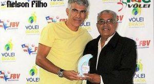 Nelson Filho recebe o prêmio Melhores do Ano (Foto: FBV)